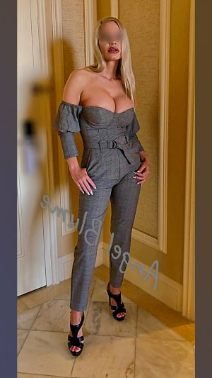 Guilliane incall escort in Madison Heights VA