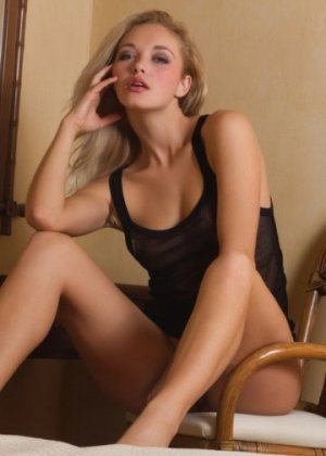 Marie-annic independent escort in University Heights OH & meet for sex