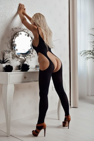 Anne-mathilde incall escorts in Shorewood